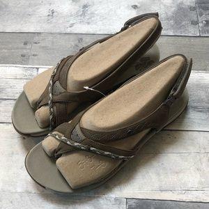Merrell Tan Stellabloom Sandals Brand New in Box 8